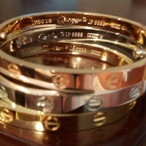 Jewelry - BEST engraved screw bracelet
